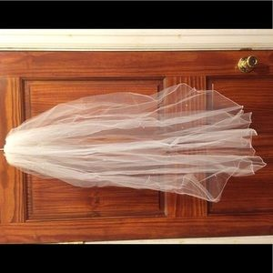 BRAND NEW! Wedding veil